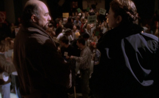 The West Wing Season 2 Episode 16 - Somebody's Going to Emergency, Somebody's Going to Jail