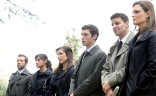 Bones Season 4 Episode 22 - The Double Death of the Dearly Departed