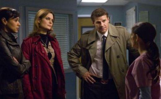 Bones Season 4 Episode 18 - The Doctor in the Den