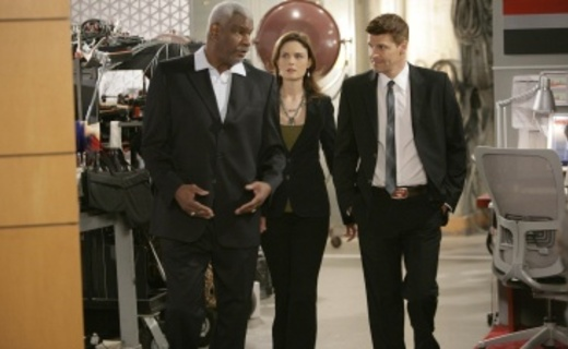 Bones Season 4 Episode 3 - The Man In The Outhouse