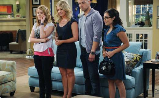 Melissa & Joey Season 1 Episode 7 - Up Close & Personal