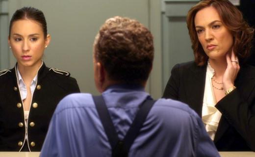 Pretty Little Liars Season 1 Episode 19 - A Person of Interest
