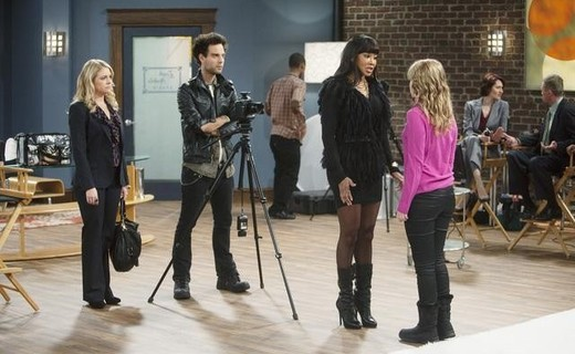 Melissa & Joey Season 1 Episode 17 - Toledo's Next Top Model