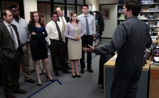 The Office Season 8 Episode 24 - Free Family Portrait Studio