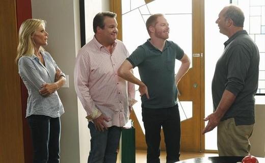 Modern Family Season 4 Episode 1 - Bringing Up Baby