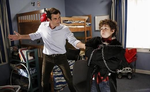 Modern Family Season 4 Episode 4 - The Butler's Escape