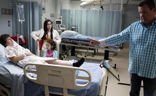 Modern Family Season 4 Episode 7 - Arrested