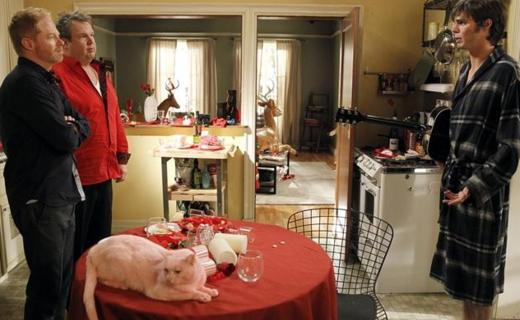 Modern Family Season 4 Episode 15 - Heart Broken