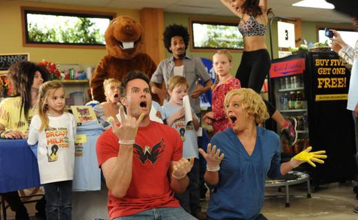 Raising Hope Season 3 Episode 21 - Burt-Mitzvah: The Musical
