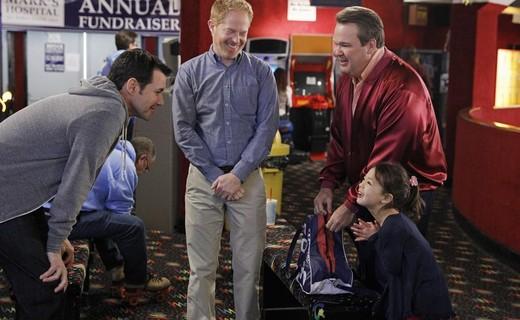 Modern Family Season 4 Episode 22 - My Hero