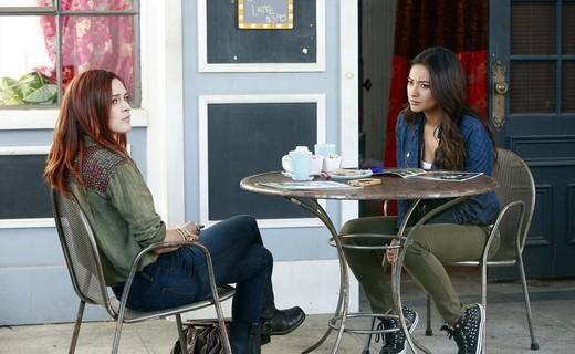 Pretty Little Liars Season 4 Episode 8 - The Guilty Girl's Handbook