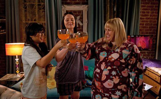 Super Fun Night Season 1 Episode 15 - Cookie Prom