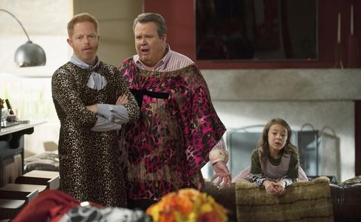 Modern Family Season 6 Episode 8 - Three Turkeys