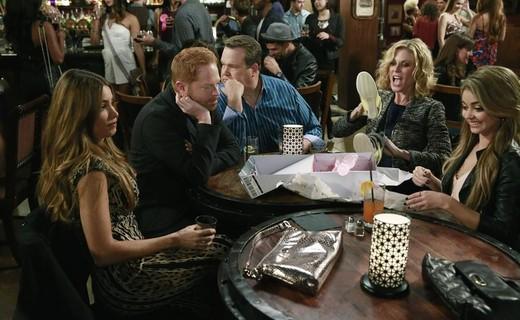 Modern Family Season 6 Episode 10 - Haley's 21st Birthday