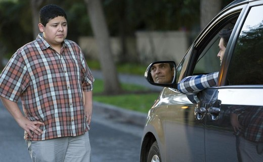Modern Family Season 6 Episode 11 - The Day We Almost Died