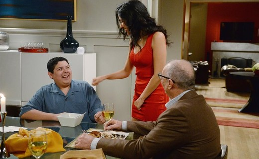 Modern Family Season 6 Episode 14 - Valentine's Day 4: Twisted Sister