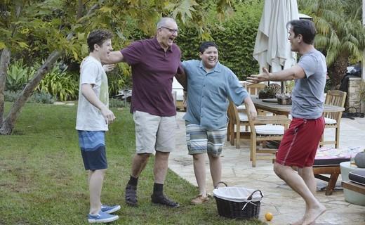 Modern Family Season 6 Episode 17 - Closet? You'll Love It!