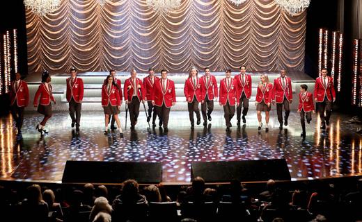 Glee Season 6 Episode 11 - We Built This Glee Club
