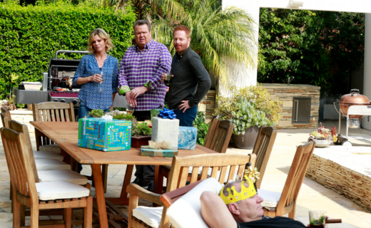 Modern Family Season 6 Episode 19 - Grill, Interrupted