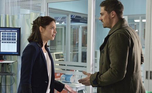Beauty and the Beast - 2012 Season 3 Episode 9 - Cat's Out of the Bag