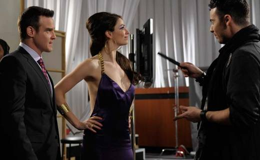 Warehouse 13 Season 2 Episode 4 - Age Before Beauty