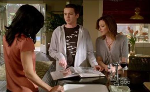 Cougar Town Season 1 Episode 15 - When a Kid Goes Bad