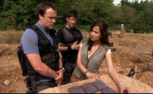 Stargate Atlantis Season 1 Episode 16 - The Brotherhood
