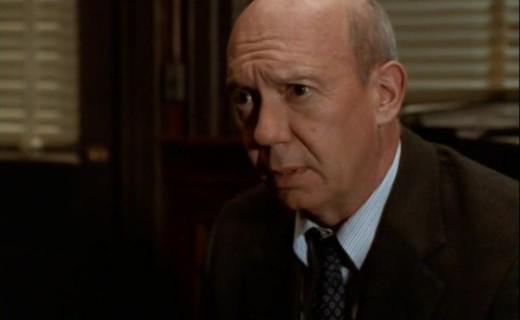 Law & Order: Special Victims Unit Season 1 Episode 9 - Stocks & Bondage
