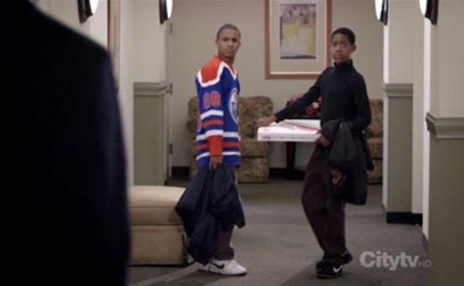 Everybody Hates Chris Season 3 Episode 15 - Everybody Hates Gretzky