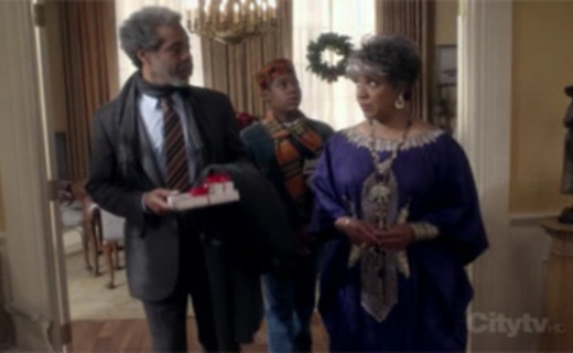 Everybody Hates Chris Season 3 Episode 10 - Everybody Hates Kwanzaa